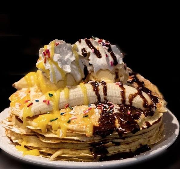 banana split pancake